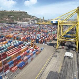 grua-porticos-descarga-buque-carga-16156-5969375
